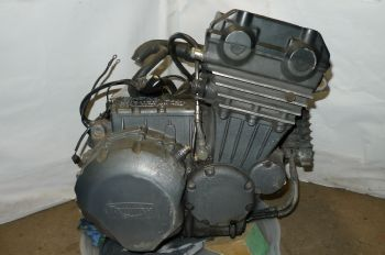 TRIUMPH SPRINT 900 BREAKING. VISIT SHOP FOR PARTS  ((WEB-STOCK))((A=SK)) YELLOW 13  (CON-C)